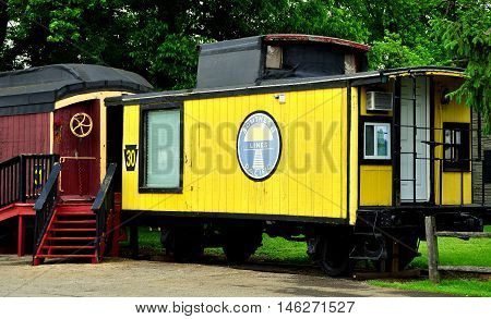 Ronks Pennsylvania: Vintage cabooses from the nation's former railroads now serve as lodgings at the Red Caboose Motel  *