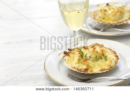 coquilles saint jacques gratin, french scallop cuisine