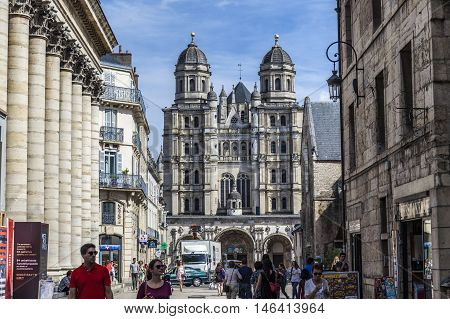 People Visit The Saint-michel Church In Dijon