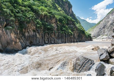 tiger leaping gorge in lijiang yunnan province china.