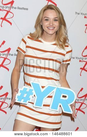 LOS ANGELES - SEP 8:  Hunter King at the Young and The Resltless 11,000 Show Celebration at the CBS Television City on September 8, 2016 in Los Angeles, CA