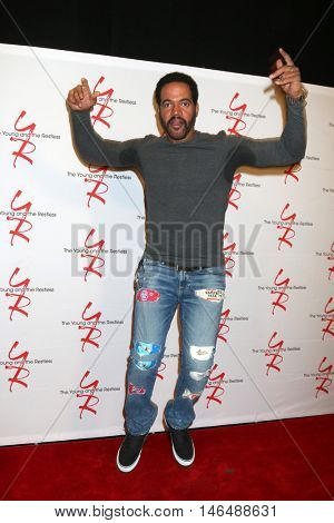 LOS ANGELES - SEP 8:  Kristoff St John at the Young and The Resltless 11,000 Show Celebration at the CBS Television City on September 8, 2016 in Los Angeles, CA