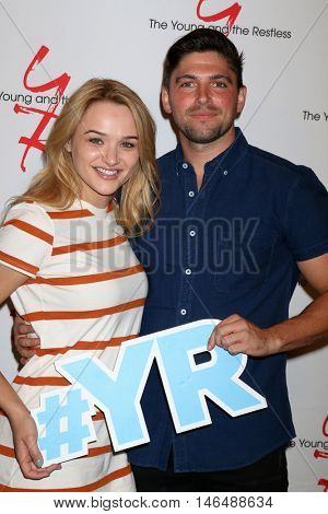 LOS ANGELES - SEP 8:  Hunter King, Robert Adamson at the Young and The Resltless 11,000 Show Celebration at the CBS Television City on September 8, 2016 in Los Angeles, CA