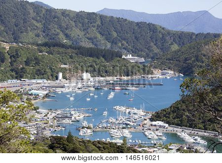 The view of Picton resort town harbor (New Zealand).