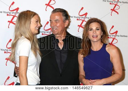 LOS ANGELES - SEP 8:  Melissa Ordway, Eric Braeden, Gina Tognoni at the Young and The Resltless 11,000 Show Celebration at the CBS Television City on September 8, 2016 in Los Angeles, CA