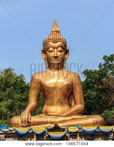 The most beautiful golden Buddha in Thailand..
