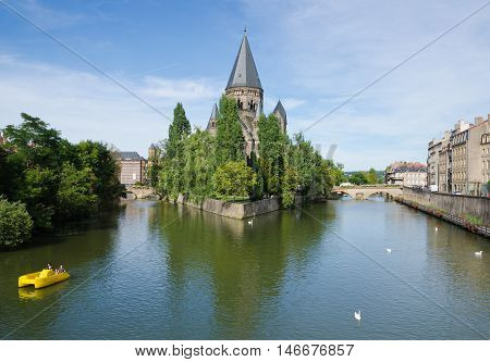 METZ, FRANCE. 2nd September 2016.  The 'Temple Neuf' a neo-romanesque protestant reformed church, provides the historic city of Metz with a stunning centrepiece. The city celebrates its 'Mirabelle' plum festival every August.