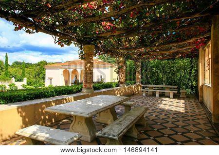 Hamilton, Nz - February 25, 2015: Italian Renaissance Garden In Hamilton Gardens.