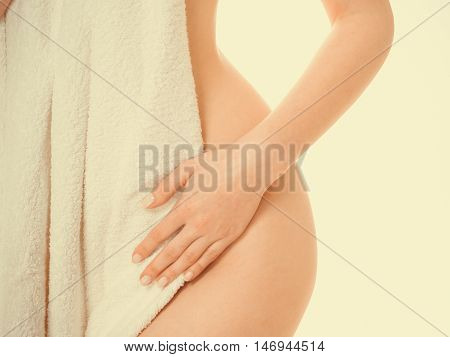 Woman Ass Vagin Belly Hide By Towel.