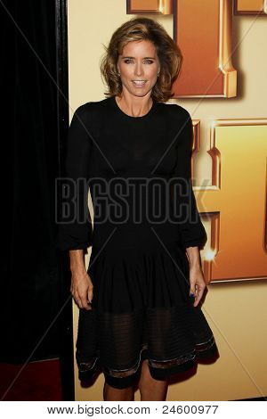 NEW YORK - OCTOBER 24: Tea Leoni attends the premiere of
