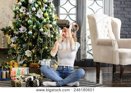 Young Woman Buy Virtual Reality Glasses As New Year Present For Brother, Happy Sister Testing Purcha