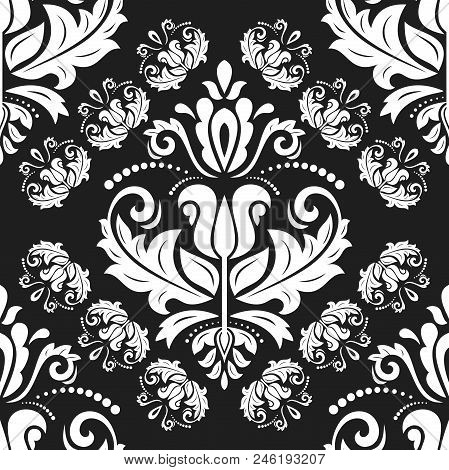Classic Seamless Vector Pattern. Damask Orient Black And White Ornament. Classic Vintage Background.