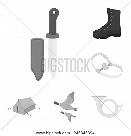 Hunting And Trophy Monochrome Icons In Set Collection For Design. Hunting And Equipment Vector Symbo