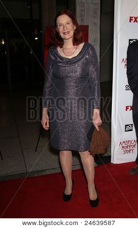 LOS ANGELES - JAN 16:  Frances Conroy arrives to the