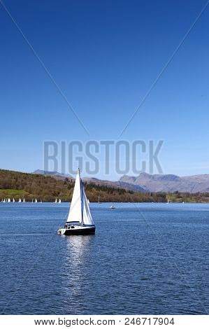 South Lakeland, Uk - April 2018: Sailboats Racing At A Regatta Event On Lake Windermere In The Lake