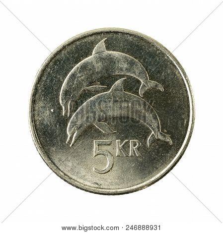 5 Icelandic Krona Coin (2005) Obverse Isolated On White Background