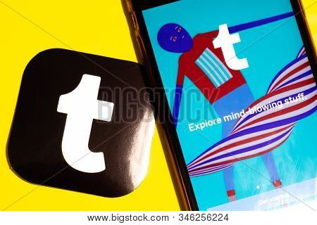 Los Angeles, California, Usa - 22 January 2020: Tumblr App Logo And Phone With Icon Close Up On Yell