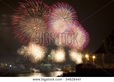 The July 4th firework over Hudson River
