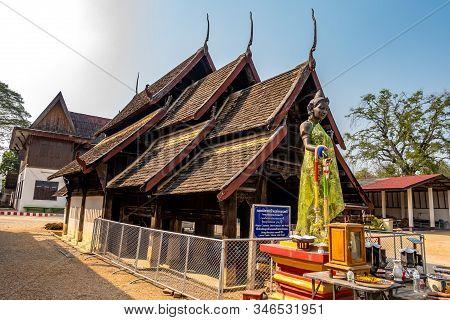 Lampang, Thailand - January 22, 2020 : Ancient Wooden Vihara Chamma Dhevi At Wat Pong Yang Kok In Ha