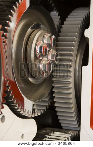 Chrome Wheel Cog Large Internal Diesel Engine