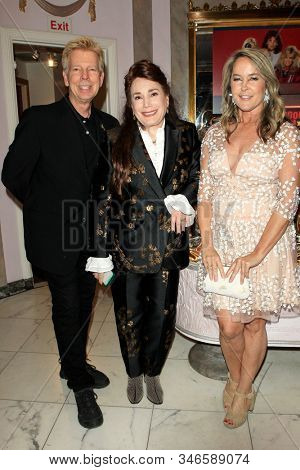 LOS ANGELES - JAN 18: Donelle Dadigan, Erin Murphy at the Hollywood Museum's celebration for the 40th Anniversary of