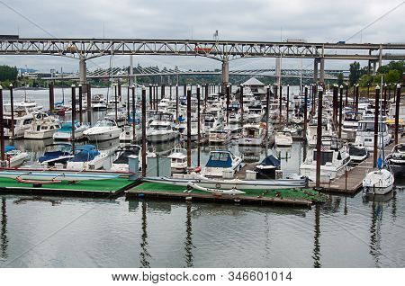 Portland, Or Usa June 29, 2016: Bustling Marina In Portland Is Filledwith Boat Travelers And Tourism