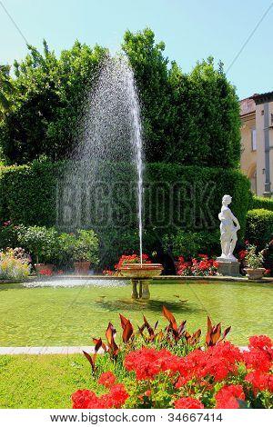 Lucca Garden