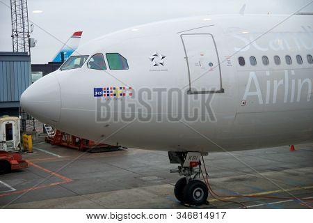 Copenhagen, Denmark - Nov 24th, 2018: Sas Airbus A340 At The Departure Gate Of Copenhagen Kastrup Ai