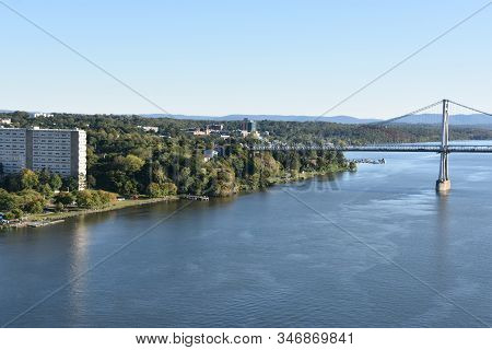 Mid-hudson Bridge In Poughkeepsie, New York (usa)