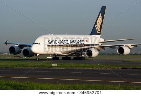 Paris / France - April 24, 2015: Singapore Airlines Airbus A380 9v-skb Passenger Plane Arrival And L