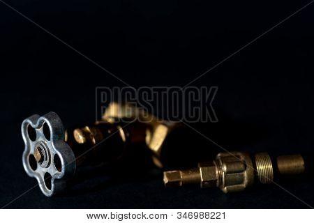 Plumbing Set. Shutoff Pipe Bronze Valve. Locking Bronze Tap. Water Pressure Valve. Repair Tap By Clo