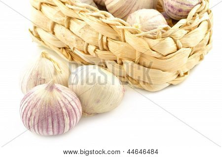 Chinese Garlic (solo) In A Basket