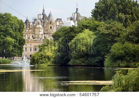 Saint James Park And Palace, London
