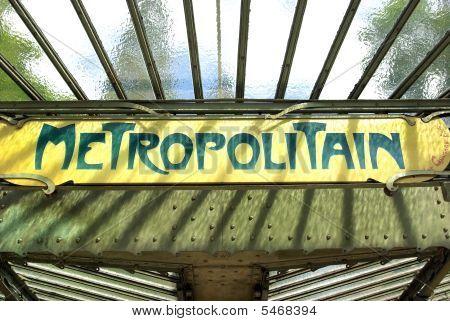 Metropolitain Signboard