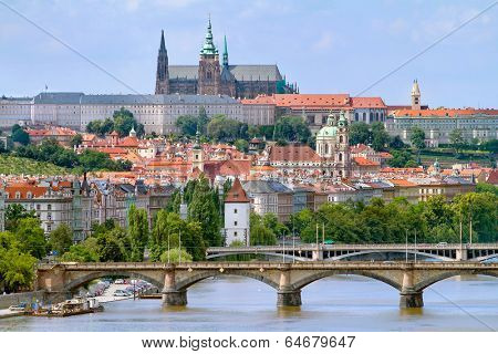 VIew of the Prague castle over the bridge on the Vltava river in Prague, Czech Republic