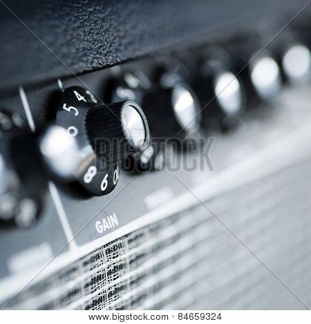 Volume Button Guitar Amplifier