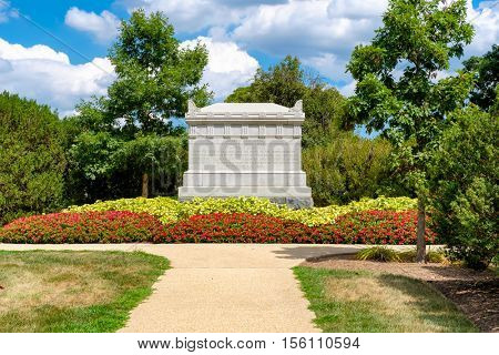 Tomb of the Unknown Soldiers fallen at the American Civil War at Arlington National Cemetery
