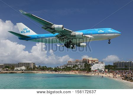 Klm Boeing 747-400 Airplane Landing St. Martin Airport