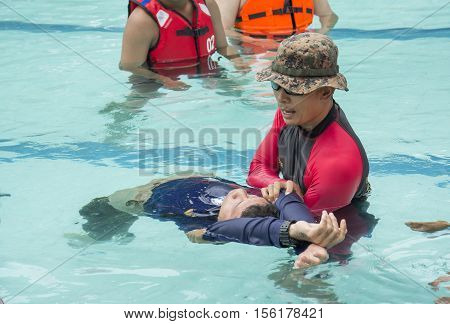 HEAD AND SPINAL INJURY IN DROWNING ACCIDENT RESCUE WATER COURSE BANGKOK NOVEMBER 8 2016: cpr victim drowninghead and spinal injury in drowning accident THAILAND NOVEMBER 8 2016