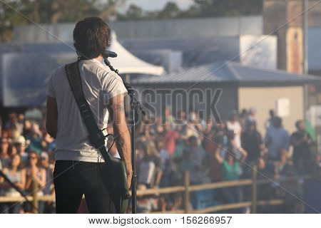 LAKE WALES, FL-NOV 4: Chris Janson performs at the CountryFlo Music and Camping Festival on November 4, 2016 in Lake Wales, Florida.