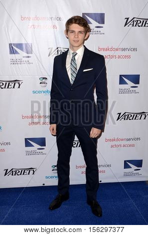 LOS ANGELES - NOV 10:  Robbie Kay at the 2016 TMA Heller Awards at Beverly Hilton Hotel on November 10, 2016 in Beverly Hills, CA