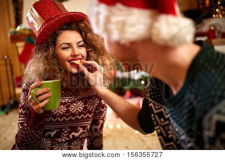 Boyfriend with girlfriend in romance for Christmas