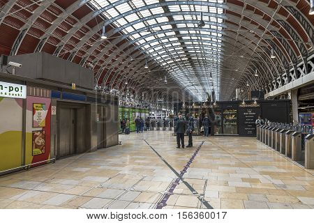 London, the UK - May 2016: at the platform at Paddington railway station