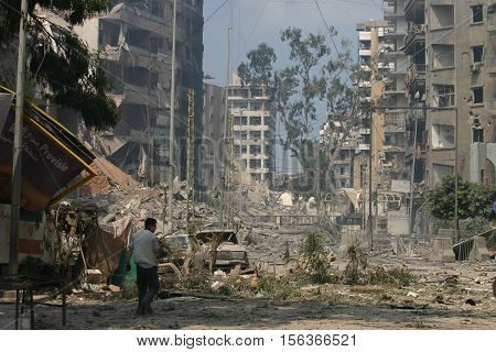 BEIRUT, LEBANON - JULY 26 : Buildings destroyed by Israeli bombing in the city of Beirut on July 26. 2006, Beirut,Lebanon.