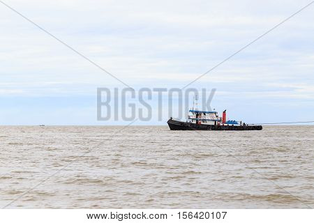 Tug Boat Was Towed Ship