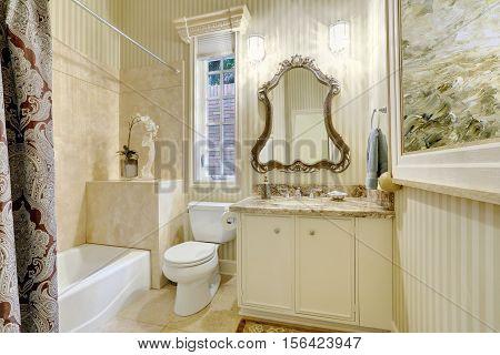 Victorian Style Master Bathroom In Warm Creamy Tones.