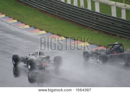 classic car race historics