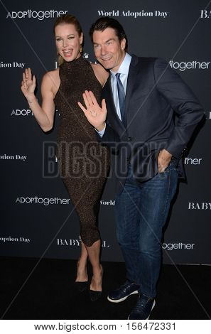 LOS ANGELES - NOV 11:  Rebecca Romijn, Jerry O'Connell at the Annual Baby Ball in honor of World Adoption Day at NeueHouse on November 11, 2016 in Los Angeles, CA