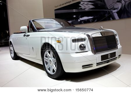 PARIS, FRANCE - SEPTEMBER 30: Paris Motor Show on September 30, 2010 in Paris, showing Rolls Royce Phantom Drophead Coupe, front view