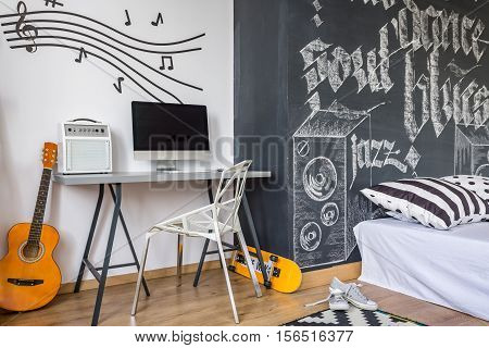 Decorate Your Room With A Music Theme
